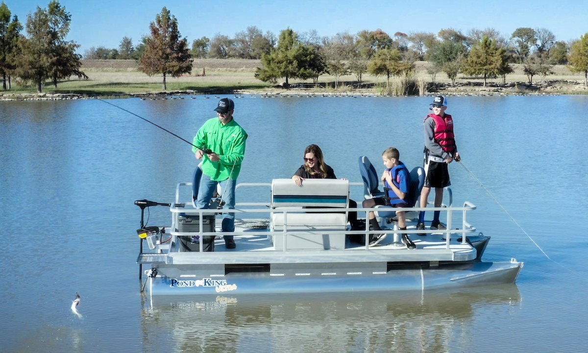 Family Fishing on a Pond King Ultra